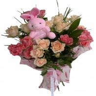Букет из роз и мягкой игрушки